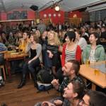 Fullpackad Pub Kronan under standupkväll. Foto: Anna Sturesson