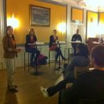 Kandidaterna till 2Q-posten svarar på frågor under hearingen 4 november. Foto: Per Hård af Segerstad